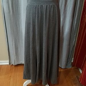 Relativity Sz M Gray Knit Flared Maxi Skirt